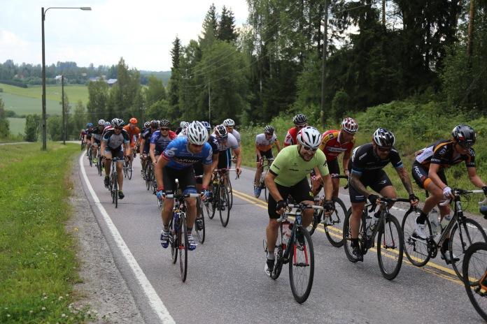 Palojoen kinnaamista Vuelta Vantaassa 2014.